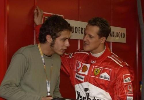 Valentino Rossi dan Michael Schumacher (Foto: Crash)