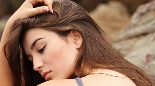 Salah satu penyebab dari cystic acne ini kemungkinan adalah dari
