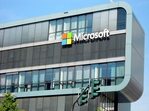 Microsoft Akuisisi PlayFab, Bidik Industri Game Cloud?