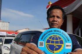 Dishub Bali Mulai Pasang 1.330 Stiker ke Angkutan <i>Online</i>
