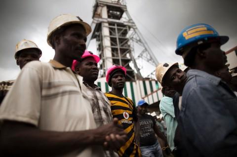 Hampir 1.000 Pekerja Diselamatkan dari Insiden Tambang Afsel
