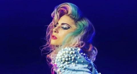 Sakit Parah Lagi, Lady Gaga Batalkan 10 Konser Terakhir