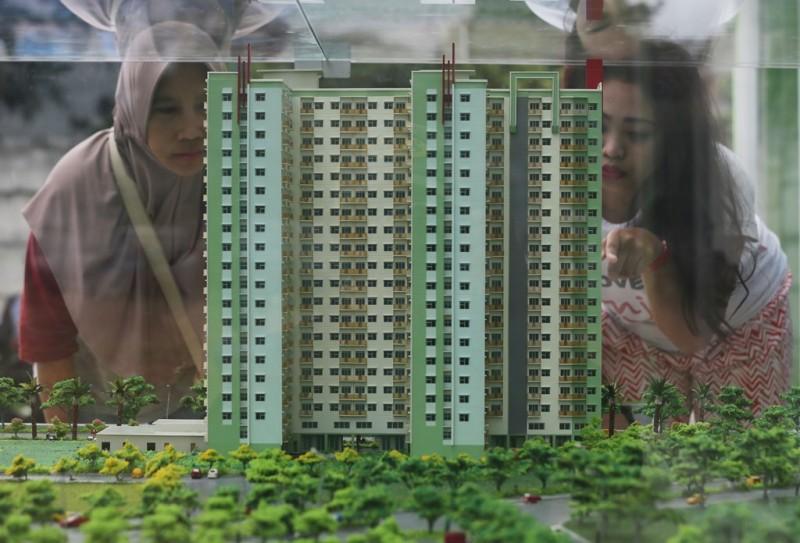Sejumlah warga mendatangi lokasi rumah DP nol rupiah. (Foto: MI/Ramdani)