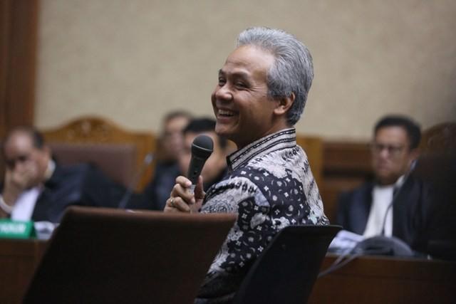 Gubernur Jawa Tengah Ganjar Pranowo saat di persidangan Tipikor. FotoMI Ramdani