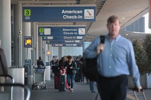 Sekitar 1.500 Penerbangan di AS Dibatalkan akibat Badai Salju