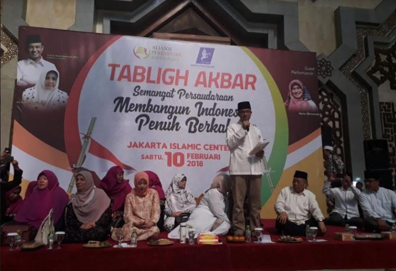 Gubernur DKI Jakarta Anies Baswedan dalam tablig akbar yang diselenggarakan Aliansi Perempuan Indonesia (API) di Jakarta Islamic Center, Jakarta Utara. Foto: M Sholahadhin Azhar/Medcom.id