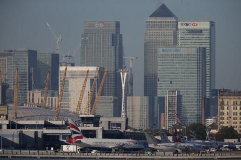 Bandara London Ditutup usai Penemuan Bom PD II