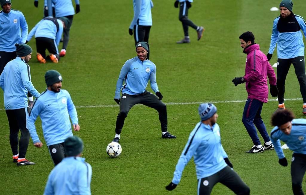 Skuat Manchester City sedang berlatih. (Foto: AFP/Paul Ellis)