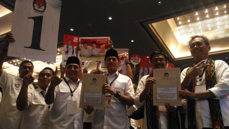 Pasangan Edy Rahmayadi-Musa Rajekshah (Eramas) dan Djarot Saiful Hidayat - Sihar Sitorus mendapat nomor urut 2. Medcom.id/Farida