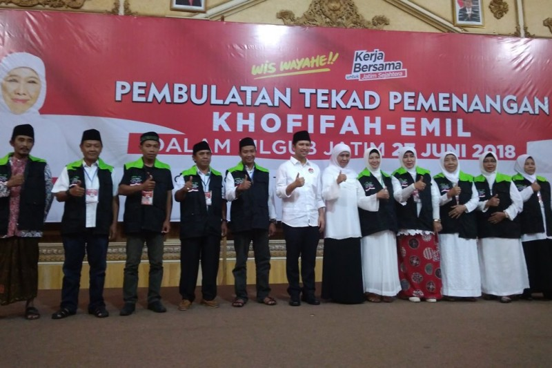 Rapat koordinasi relawan di Jawa Timur usai penetapan nomor urut untuk pasangan Khofifah Indar Parawansa-Emil Elestianto Dardak. Foto: Medcom.id/Syaikhul Hadi