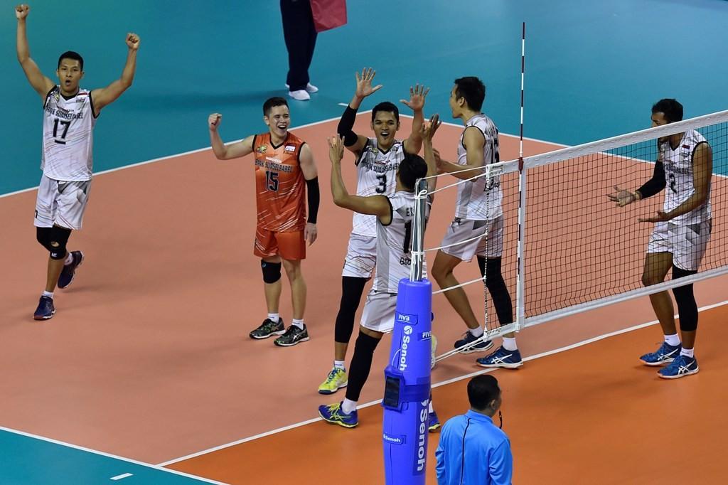 Luapan ekspresi Timnas Voli Indonesia 2 usai mengalahkan Timnas Voli Indonesia 1 di final test event voli Asian Games 2018 (Foto: ANTARA FOTO/Puspa Perwitasari)