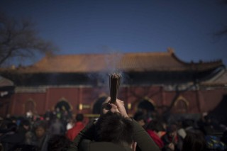 Kembang Api Dilarang, Imlek di Beijing Sunyi