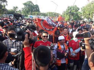 Muhaimin Iskandar (tengah) saat tiba di Stadion Utama GBK