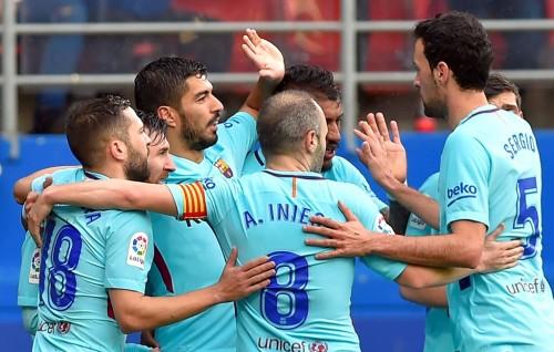 Selebrasi kemenangan para pemain Barcelona atas Eibar. (AFP