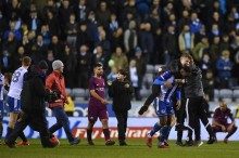 City Terhempas, Sergio Aguero Gebuk Suporter Wigan