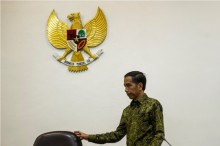 Jokowi Inaugurates 17 New Ambassadors