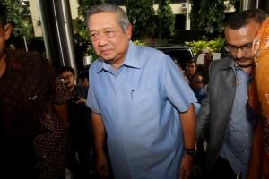 400 Advokat Bela Firman Lawan SBY