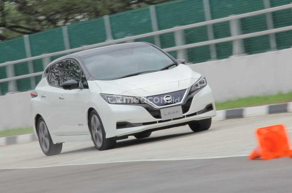 Merasakan Sensasi Torsi Tinggi Nissan Leaf