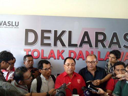 Ketua Dewan Pimpinan Nasional PKPI Syarifuddin Noor di Bawaslu -