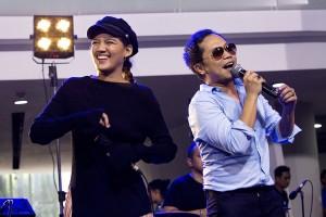 Kejutan Spesial Sandhy dan Monita di Medcom Jagonya Musik