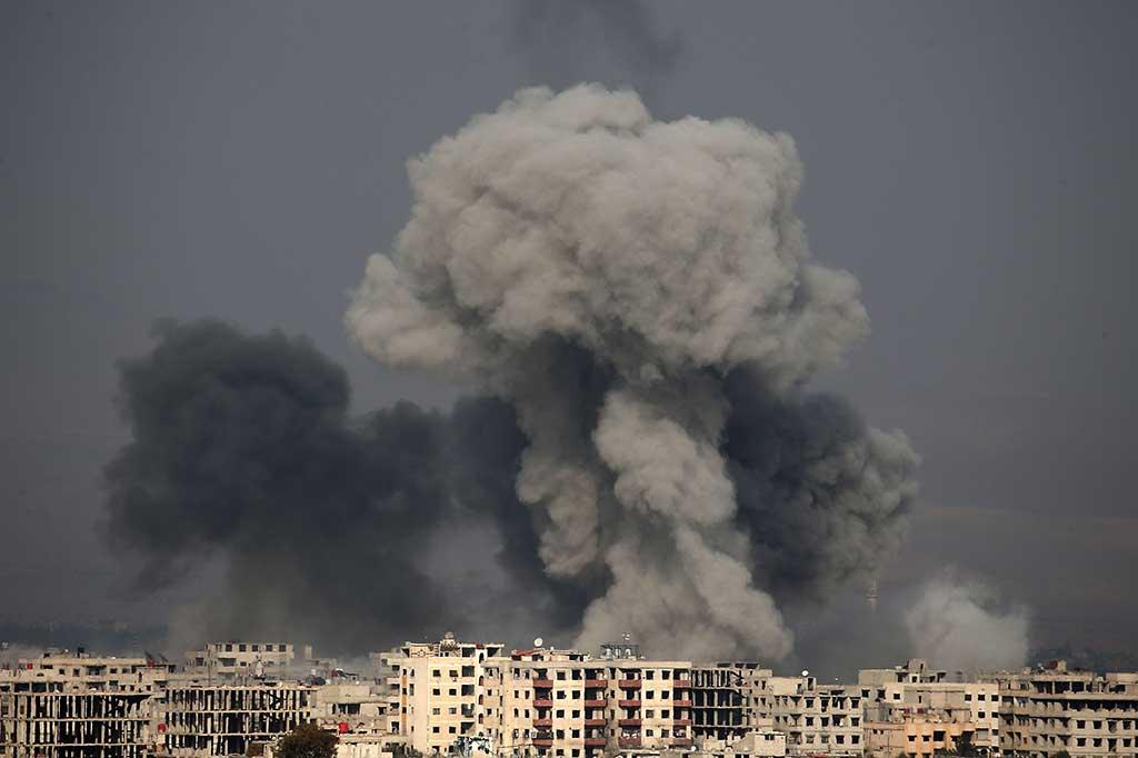 Dihujani Bom, Warga Ghouta Seakan 'Menunggu Ajal'