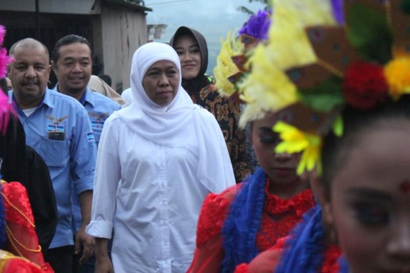 Calon Gubernur Jawa Timur Khofifah Indar Parawansa saat berkunjung ke Padepokan Gunung Wukir, Kota Batu, Kamis 22 Februari 2018. Foto: Medcom.id/DAVIQ UMAR AL FARUQ
