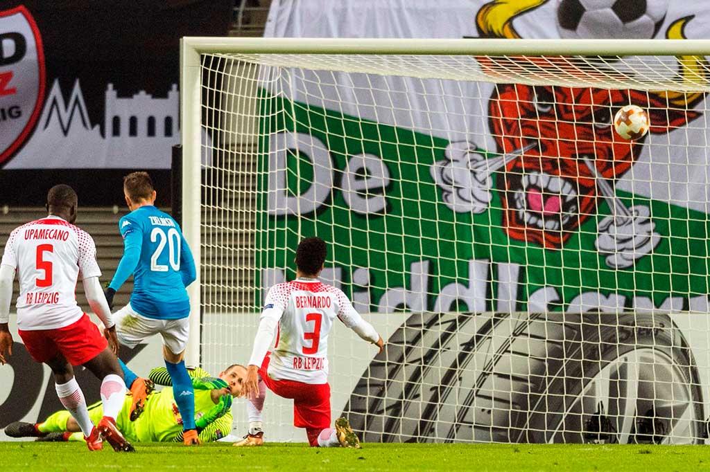 Menang, Napoli Tetap Tersingkir dari Liga Europa