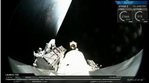 SpaceX Berhasil Kirim Dua Satelit Mini untuk Internet
