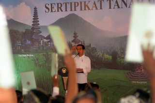 Jokowi Minta Menteri Sofyan Keluarkan 7 Juta Sertifikat Tahun Ini