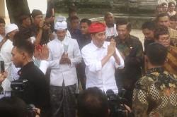 Jokowi Bagikan Sertifikat Tanah Adat dan Pura se-Provinsi Bali