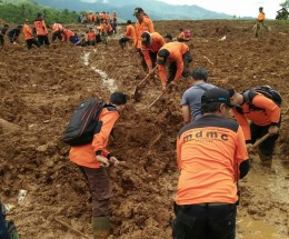 Longsor dan Banjir Terjang Sejumlah Wilayah Indonesia