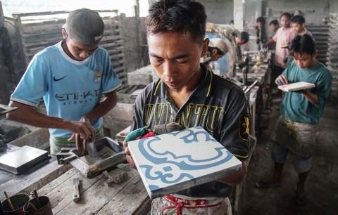 Bea Masuk dan Harga Gas Pukul Industri Keramik