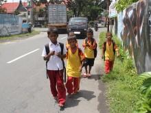 Sekolah Sehari Penuh Bebani Siswa SD