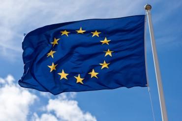 Uni Eropa Desak Facebook dan Google Hapus Konten Ilegal dalam 1 Jam