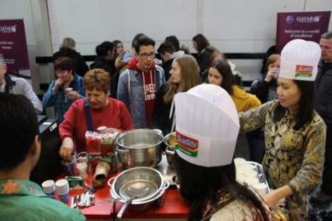 Produk Makanan Indonesia Curi Perhatian Warga Hongaria