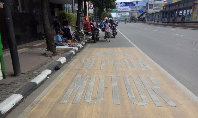 Jalur khusus sepeda motor di MH Thamrin. Foto: Medcom.id/Faisal Abdalla.