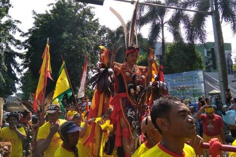 Ribuan Orang Antusias Ikuti Perayaan Cap Go Meh di Bekasi