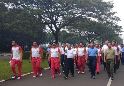 Panglima TNI dan Kapolri Jalan Santai Bersama