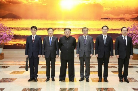 Kim Jong-un and Seoul Envoys Discuss Possible Inter-Korean Summit