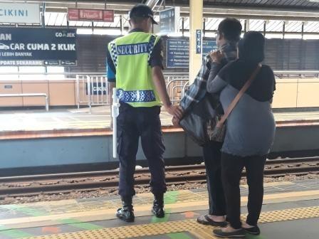Eskalator di Stasiun Belum Ramah bagi Difabel