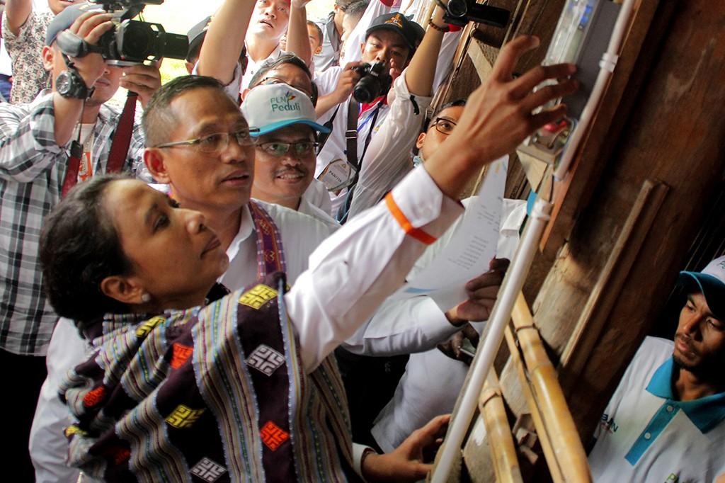 Kunjungi Kupang, Menteri BUMN Pastikan Listrik untuk Masyarakat Aman