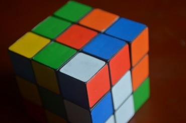 Robot Ini Pecahkan Rubik's Cube dalam 0,38 detik