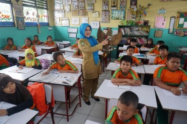 Indonesia Kekurangan 733 Ribu Guru
