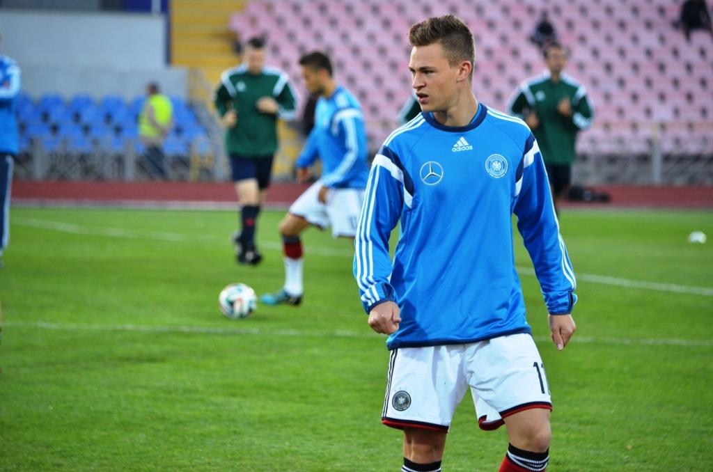 Joshua Kimmich saat mengikuti sesi latihan Timnas Jerman (Foto: Shutterstock)