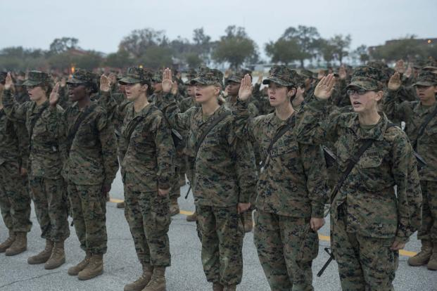 Tentara wanita AS. (Foto: Marine Corps Photo/Cpl. Vanessa Austin)
