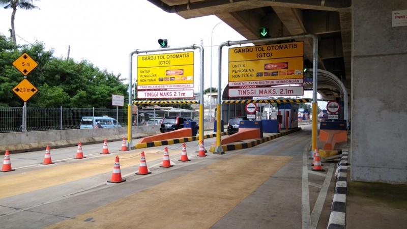 Gerbang Tol Becakayu di Kalimalang, Bekasi - Medcom.id/Fachri Audhia Hafiez.