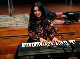 Sejak Kecil Isyana Tidak Bisa Lepas dari Piano
