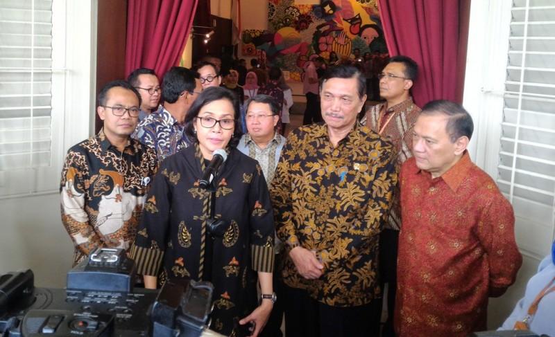 Pemerintah saat melihat pameran Voyage to Indonesia. (FOTO: Medcom.id/Eko Nordiansyah)
