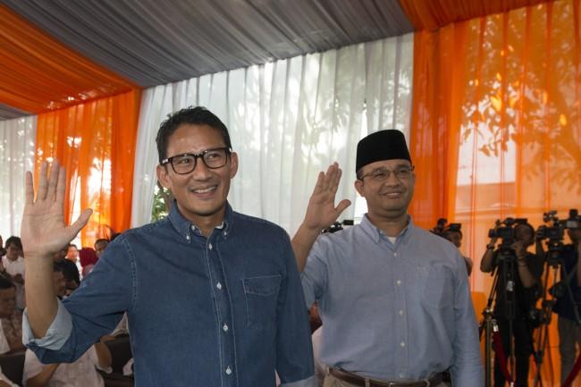 Gubernur DKI Jakarta  Anies Baswedan dan Wakilnya Sandiaga Uno -- Foto: Antara/ Rosa Pangabean