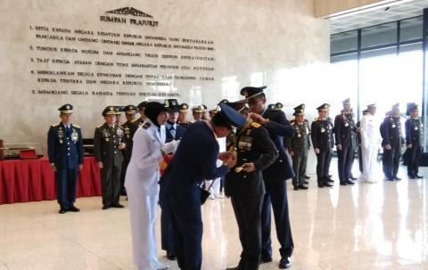Kapolri Terima Penghargaan dari Panglima TNI